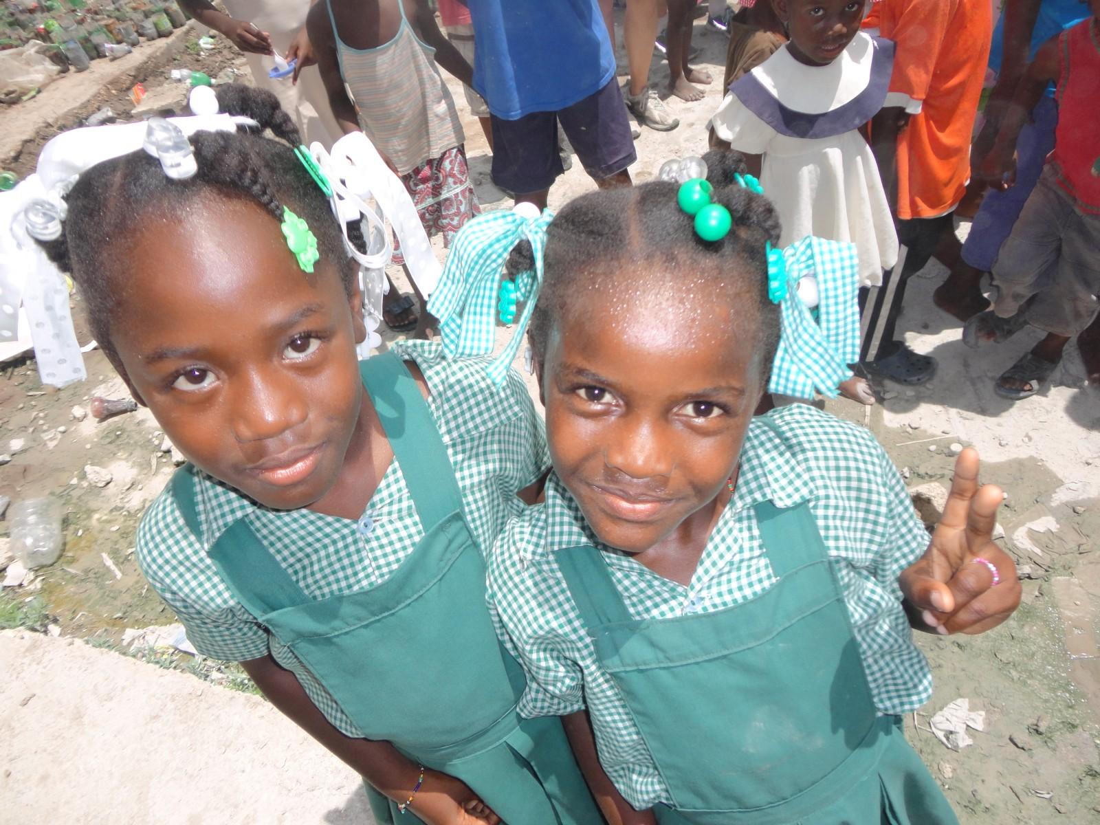 Haiti, 2013, Third World Awareness, TWA, Schoolgirls, Cite Soleil, school, Haitian girls, smiling kids, volunteer, charity