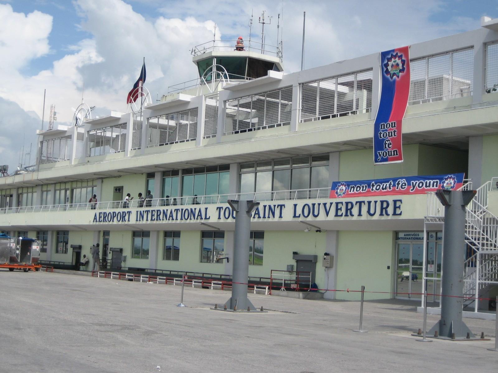 2007. Haiti, TWA, Third World Awareness, Airport, Travel, Volunteering, Port au Prince